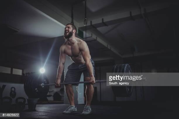 La douleur de weigthlifting