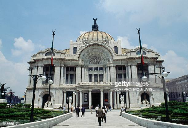 The Palace of Fine Arts in Mexico City was constructed over the course of thirty years between 1904 and 1934and was added to Unesco's list of World...