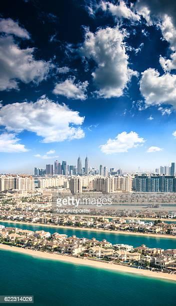 the palm jumeirah in Dubai with skyline