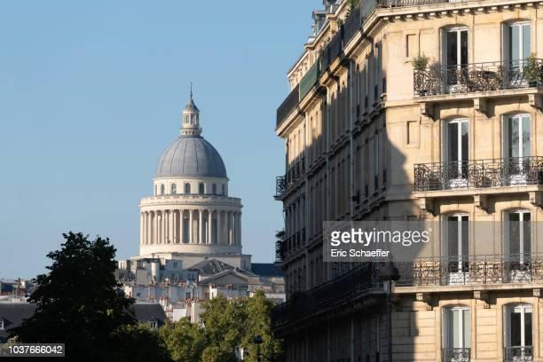the panthéon, paris - dôme photos et images de collection