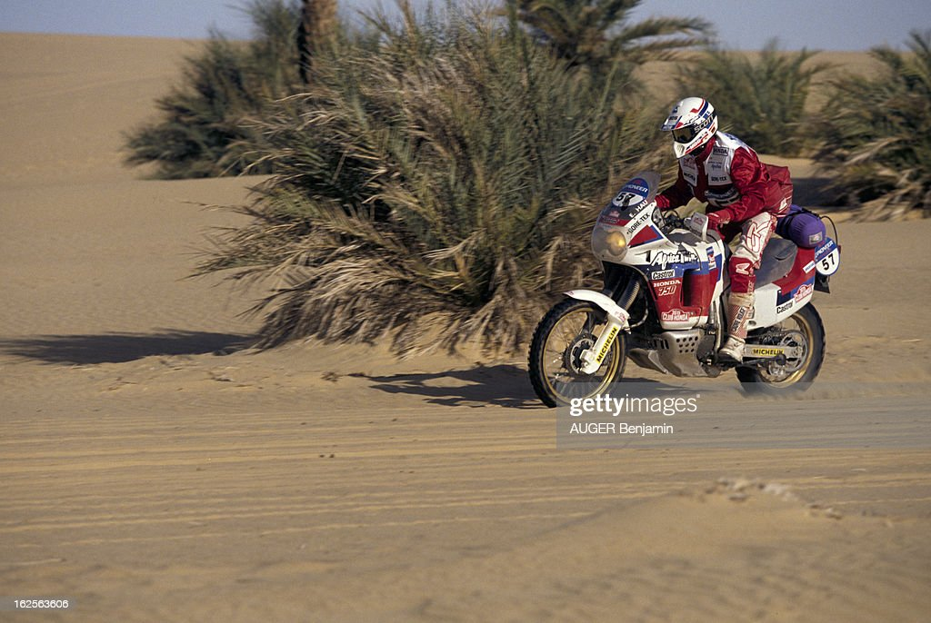 The Paris Dakar Rally Raid 1991 : Foto di attualità
