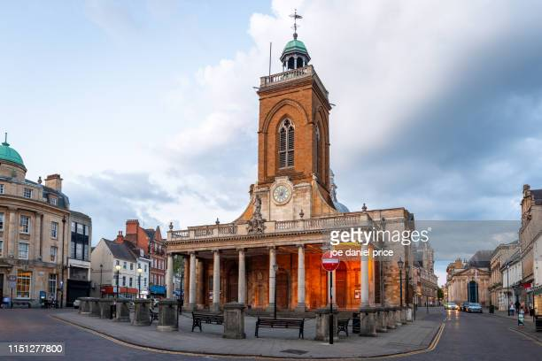 the parish church of all saints, downtown, northampton, england - 英国ノーサンプトン ストックフォトと画像