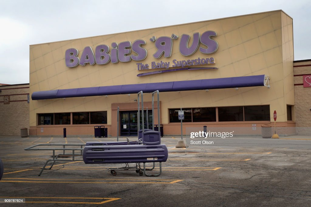 The parking lot at a Babies 'R' Us store sits nearly empty on January 24, 2018 in Chicago, Illinois. The store is one of more than 180 stores that the parent company, Toys 'R' Us, is planning to close. The closings involve about one-fifth of the company's Toys 'R' Us and Babies 'R' Us U.S. store fleet. The company recently filed for bankruptcy protection.