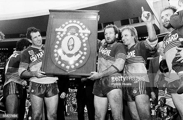 The Parramatta Eels celebrate after winning the 1986 NSWRL Grand Final between the Parramatta Eels and the Canterbury Bulldogs held at the Sydney...