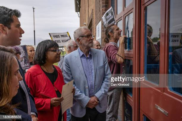 The partner of Julian Assange , Stella Morris is joined by protesters and a group of cross party Mp's including Richard Burgon, Diane Abbot, and...