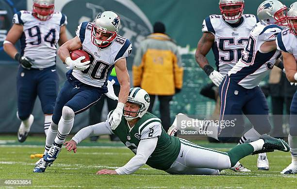 The Patriots' Danny Amendola leaves Jets place kicker Nick Folk in his wake on a second quarter kickoff return The New England Patriots visited the...