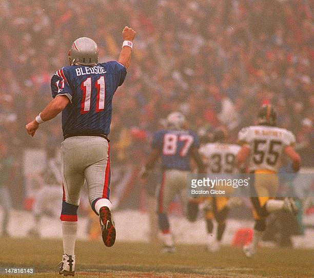 The Patriots won 283 Drew Bledsoe celebrates a long play