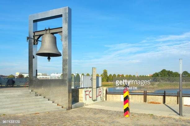 The Peace Bell in Frankfurt is a monument to the recognition of the Oder-Neisse line and stands on the west bank of the Oder. The bell bears the...