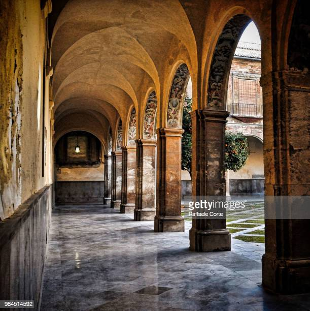 the peace of the cloister - raffaele corte foto e immagini stock