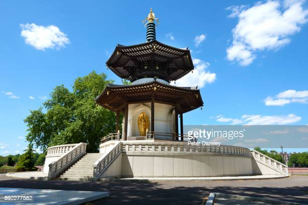 the peace pagoda in battersea park london - pagoda stock pictures, royalty-free photos & images
