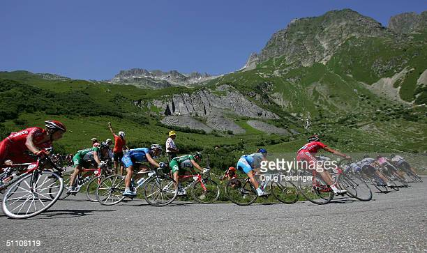 The peloton descends the Col de la Madeleine during stage 17 of the Tour de France on July 22 2004 from Bourg d'Oisans to le Grand Bornand France