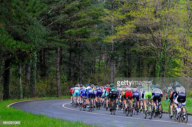 The peloton during Stage Five of Vuelta al Pais Vasco from Eibar to MarkinaXemein on April 11 2014 in MarkinaXemein Spain