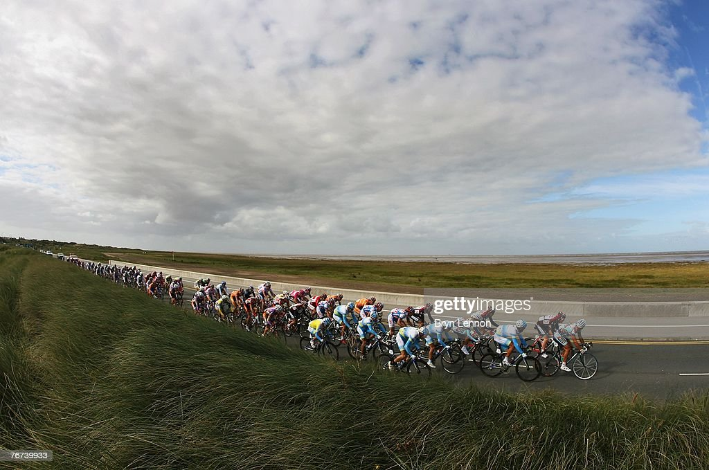 The peloton make their way through Southport on Stage Five of the Tour of Britain from Liverpool to Kendal on September 14, 2007 in Southport, England.