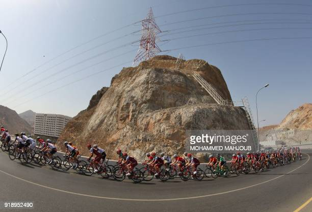 TOPSHOT The peloton rides during the fourth stage of the 2018 cycling Tour of Oman from Yiti to the Ministry of Tourism on February 16 2018 / AFP...