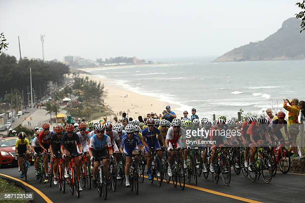 The peloton rides during the Women's Road Race on Day 2 of the Rio 2016 Olympic Games at Fort Copacabana on August 7, 2016 in Rio de Janeiro, Brazil.