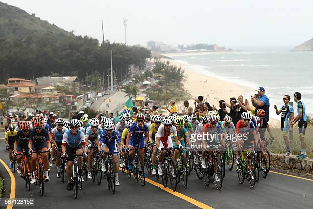 The peloton rides during the Women's Road Race on Day 2 of the Rio 2016 Olympic Games at Fort Copacabana on August 7 2016 in Rio de Janeiro Brazil