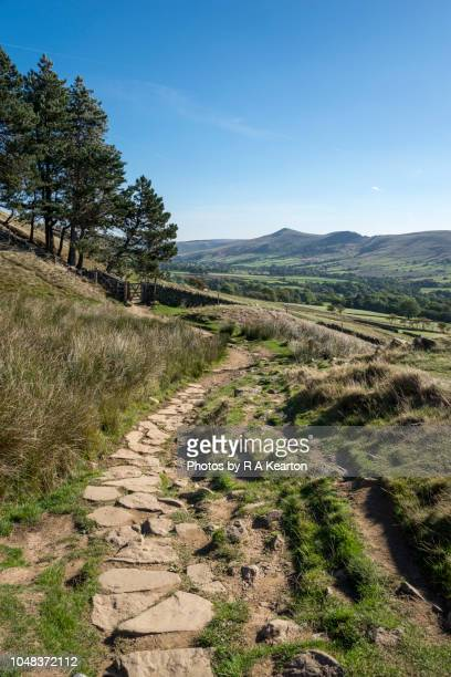 the pennine way at edale, peak district, derbyshire, england - september stock pictures, royalty-free photos & images