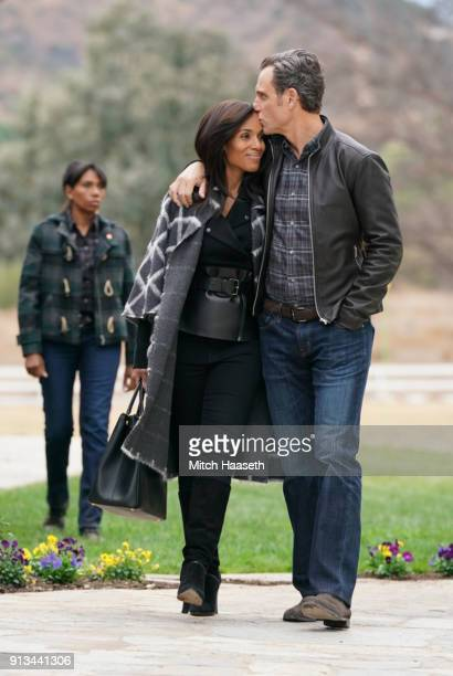 SCANDAL 'The People v Olivia Pope' When Olivia agrees to join Fitz in Vermont for what she thinks will be a relaxing getaway she is shocked to find...