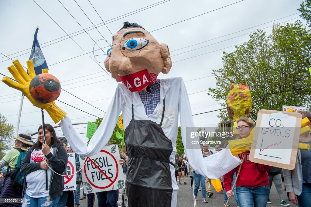 NEWS: APR 29 Portland's People's Climate Change March : News Photo
