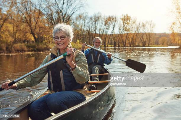 the perfect activity for nature lovers - paddling stock pictures, royalty-free photos & images