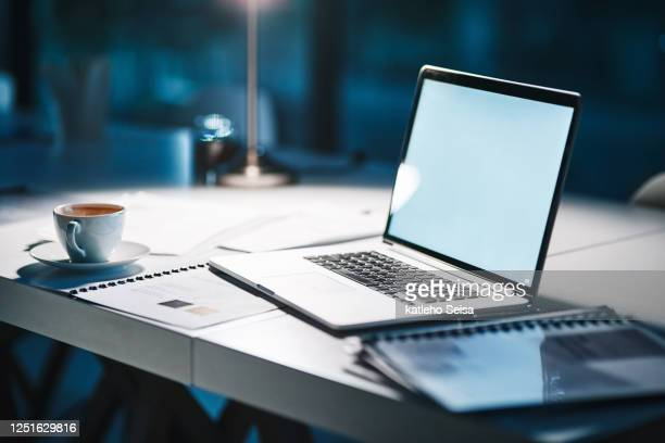 the perfect setting to complete work - desk stock pictures, royalty-free photos & images