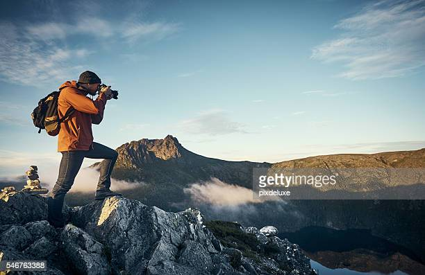 the perfect vantage point - photographing stock pictures, royalty-free photos & images