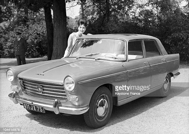 The PEUGEOT 404 being presented to the press at the Bois de Boulogne on May 9 1960