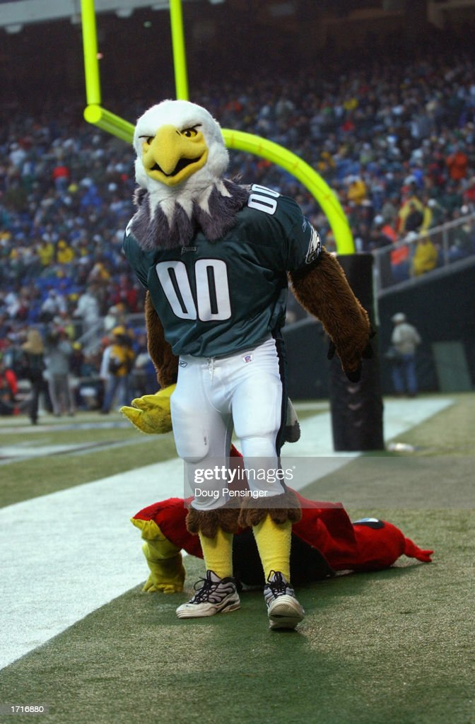 Eagles mascot : News Photo