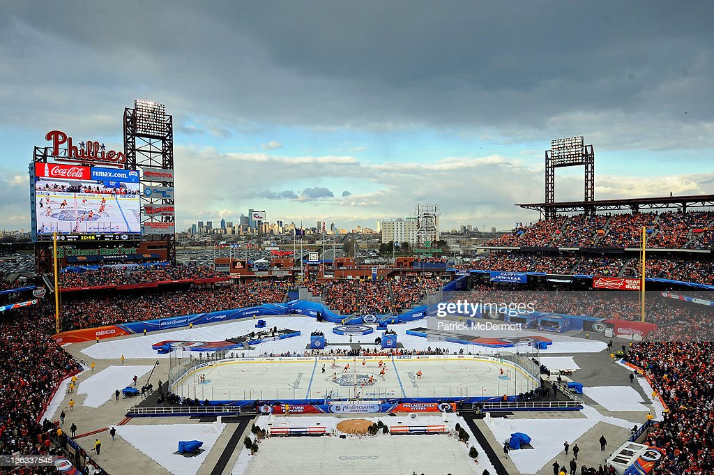 2012 Bridgestone NHL Winter Classic - New York Rangers v Philadelphia Flyers : Foto jornalística