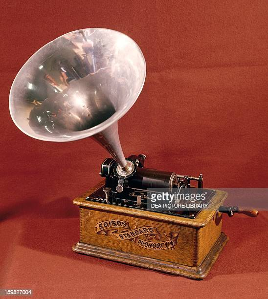 The phonograph by Thomas Alva Edison United States 19th century Paris Conservatoire Des Arts Et Métiers