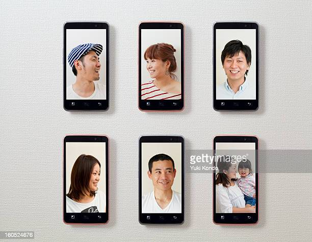 the photograph of expression, and six smart phones - 物の集まり ストックフォトと画像