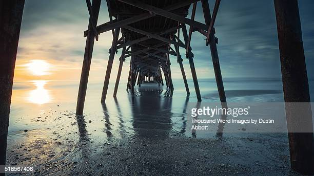 the pier - dustin abbott stockfoto's en -beelden
