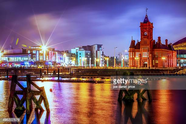 the pierhead building, cardiff bay, wales - cardiff galles foto e immagini stock