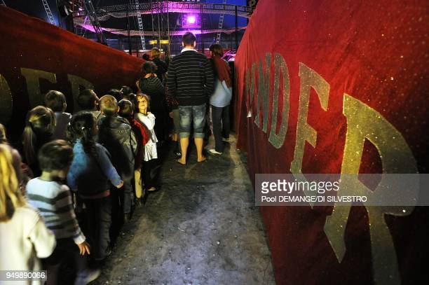 The Pinder Circus was created over 150 years ago Each year it stops off at around 130 towns Its big top seats 2500 people and is put up or down 260...