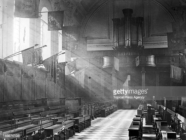 The pipe organ in the chapel at Chelsea Royal Hospital, a retirement and nursing home for British soldiers in Chelsea, London, November 1923.