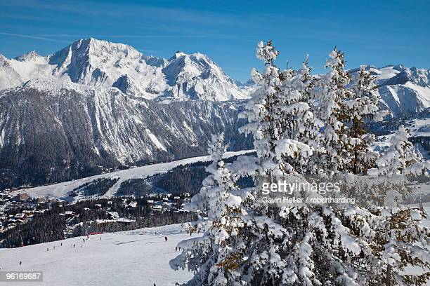 The pistes above Courchevel 1850 ski resort in the Three Valleys (Les Trois Vallees), Savoie, French Alps, France, Europe
