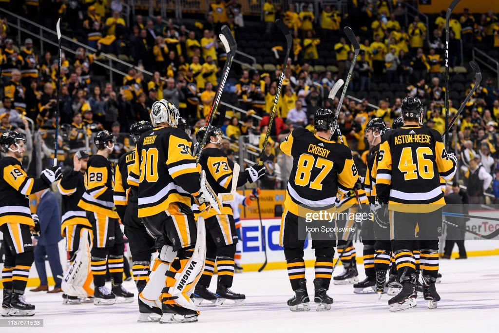 NHL: APR 16 Stanley Cup Playoffs First Round - Islanders at Penguins : News Photo