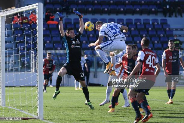 The player Danilo D'Ambrosio of FC Internazionale hits the ball with his head and scores the 2-1 goal for his team against Cagliari Calcio during the...