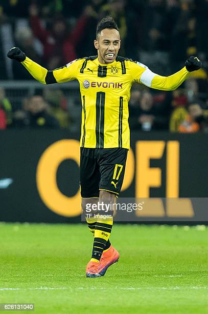 The player of Borussia Dortmund celebrate their win after the Bandesliga soccer match between BV Borussia Dortmund and FC Bayern Muenchen at the...