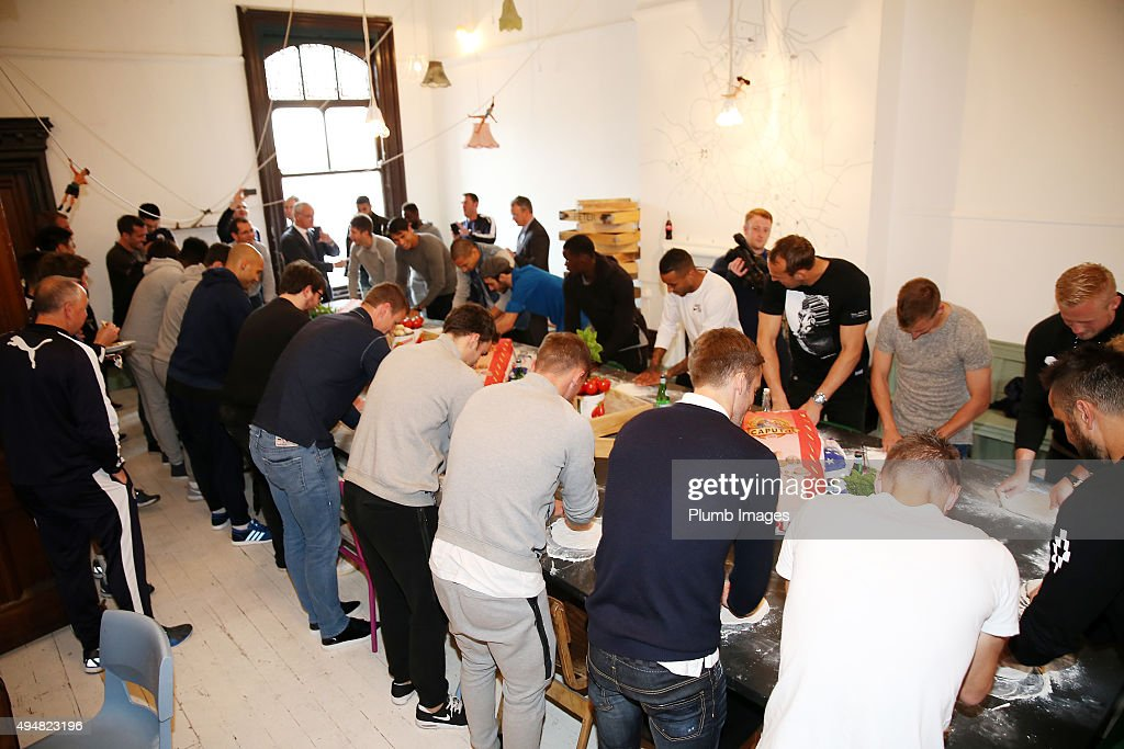 Leicester City Visit Peter Pizza : News Photo
