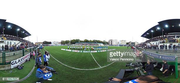 The players line up during the Serie B match between FC Pro Vercelli and Novara Calcio at Stadio Silvio Piola on October 16 2016 in Vercelli Italy
