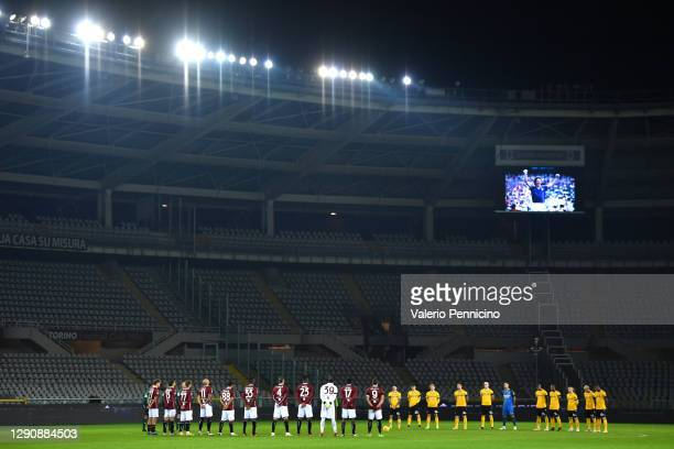 The players observe a minutes silence in memory of Paolo Rossi who recently passed away prior to the Serie A match between Torino FC and Udinese...