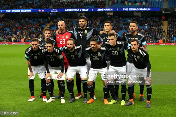 The players of Argentina line up prior to the International friendly match between Argentina and Italy at Etihad Stadium on March 23 2018 in...