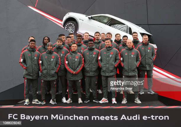 The players of Bayern Muenchen pose for the press at Airport Munich on January 24 2019 in Munich Germany FC Bayern meets Audi etron FC Bayern was one...