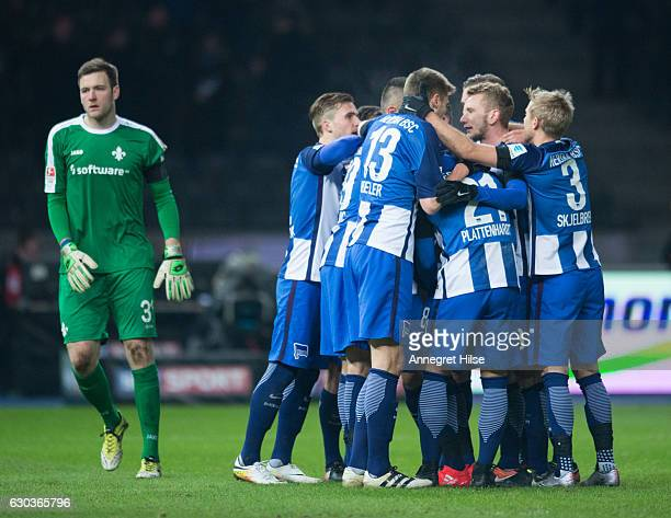 The players of Berlin celebrate the second goal from Salomon Kalou during the Bundesliga match between Hertha BSC and SV Darmstadt 98 at...
