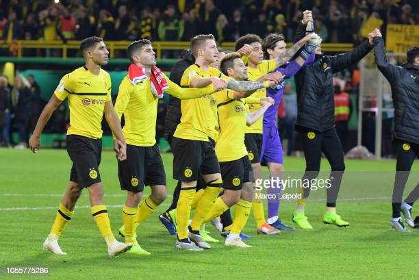 The players of Borussia acknowledge the fans after the game between Borussia Dortmund and Union Berlin at the Signal Iduna Park on october 31 2018 in...