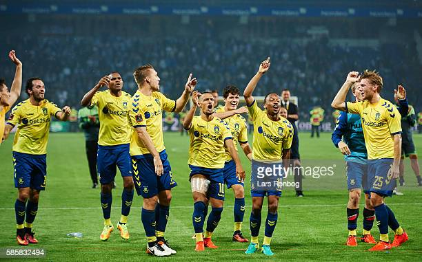 The players of Brondby IF celebrate after the UEFA Europa League qualifier match between Brondby IF and Hertha Berlin at Brondby Stadion on August 4...