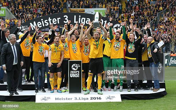 The players of Dresden celebrate with the trophy after the third league match between SG Dynamo Dresden and SG Sonnenhof Grossaspach at DDV Stadion...