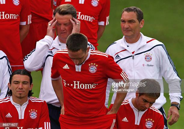 The players of German Bundesliga first division soccer club Bayern Munchen Danijel Pranjic Franck Ribery and Philipp Lahm and head coach Louis van...