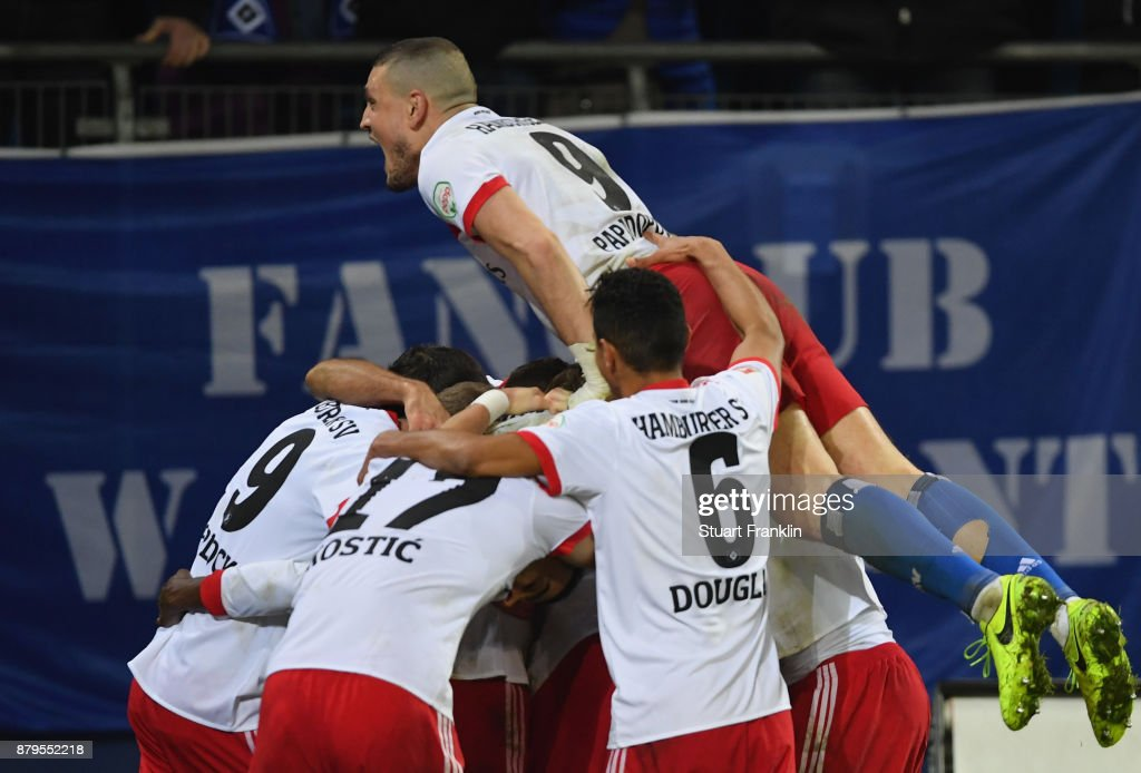 The players of Hamburg celebrate the third goal during the Bundesliga match between Hamburger SV and TSG 1899 Hoffenheim at Volksparkstadion on November 26, 2017 in Hamburg, Germany.